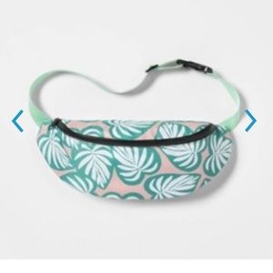 Ladies tropical foliage patterned Fanny Pack.